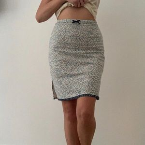 Dresses & Skirts - Blue and White Floral Pencil Skirt